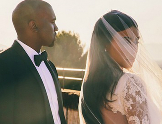 Ким Кардашьян обновила свадебный фотоальбом