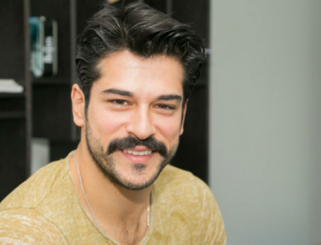 Когда женится турецкая звезда Бурак Озчивит