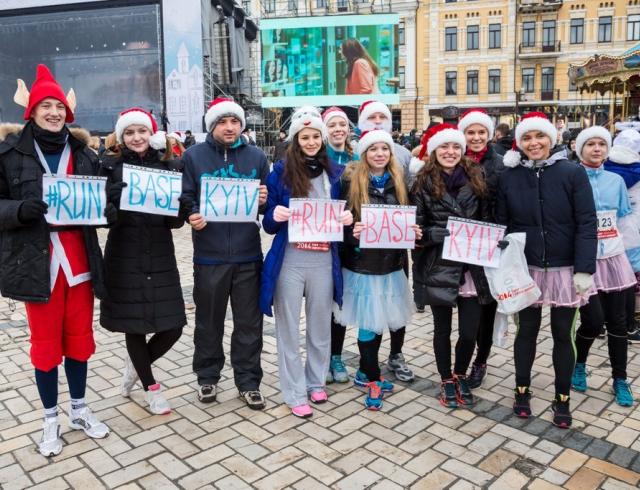 В воскресенье в Киеве состоялся самый массовый зимний забег в истории Украины – «Забег святого Николая»