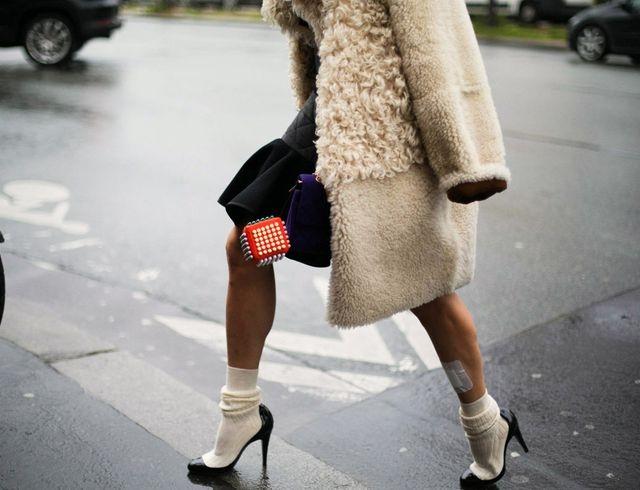 Как красиво носить колготки и носки
