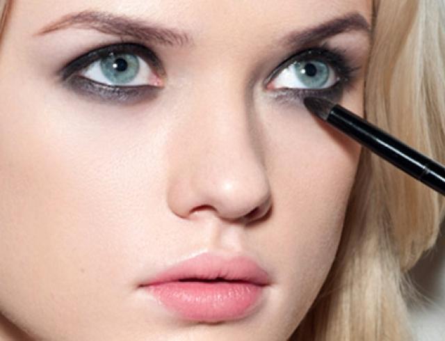 Как сделать дневной smoky eyes: пошаговый урок