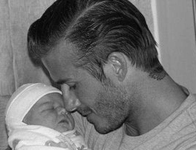 Бэкхемы показали свою новорожденную дочь. ФОТО