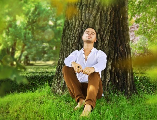 Как привлечь мужчину при помощи аромата: советы экстрасенса