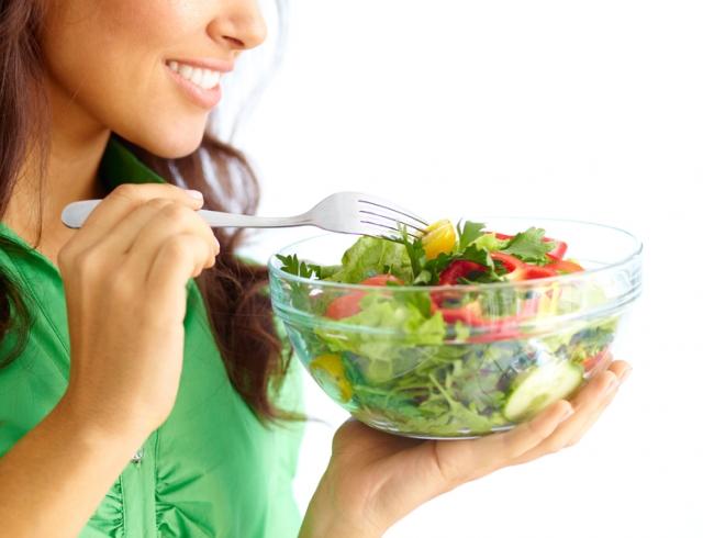 Летние салаты: рецепты для того, чтобы порадовать себя легким перекусом