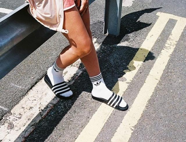 Теперь можно! Как носить носки с сандалиями и другой обувью