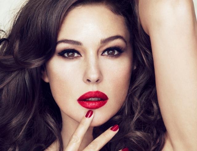 Bella famiglia: Моника Белуччи в новой кампании Dolce & Gabbana