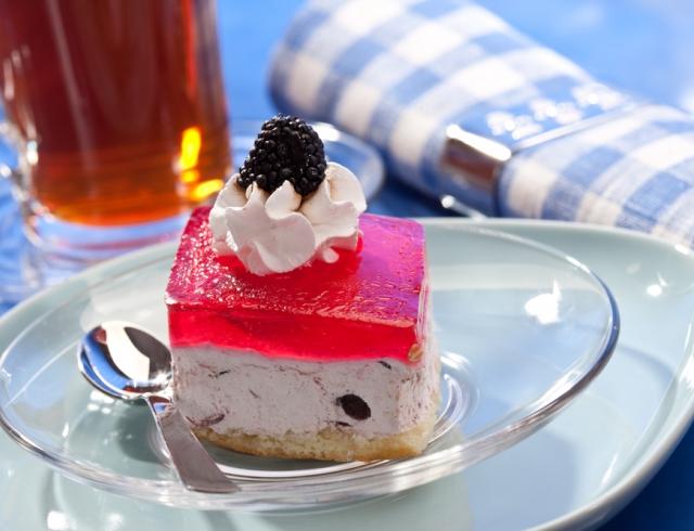 Все буде смачно 16.07.2015: творожно-желейный тортик с ягодами