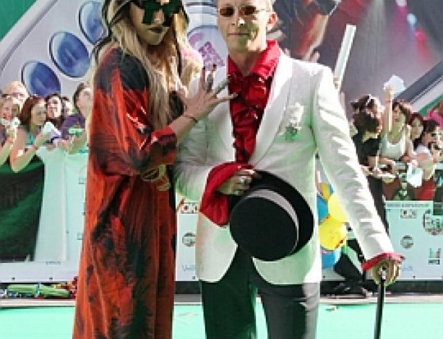 Церемония «Муз-ТВ 2011». Брежнева получила тарелочку, а солистка «Блестящих» вышла замуж. ФОТО