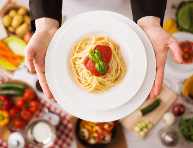 Итальянские рецепты от шеф-повара: паста, мясо sous-vide, мороженое с горчицей и соусы