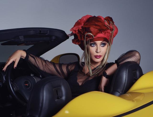 Почему Ирина Билык не любит фотографироваться: новая фотосессия певицы