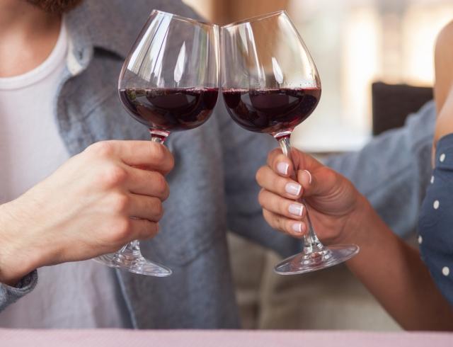Какой алкогольный напиток подходит для каждого знака Зодиака