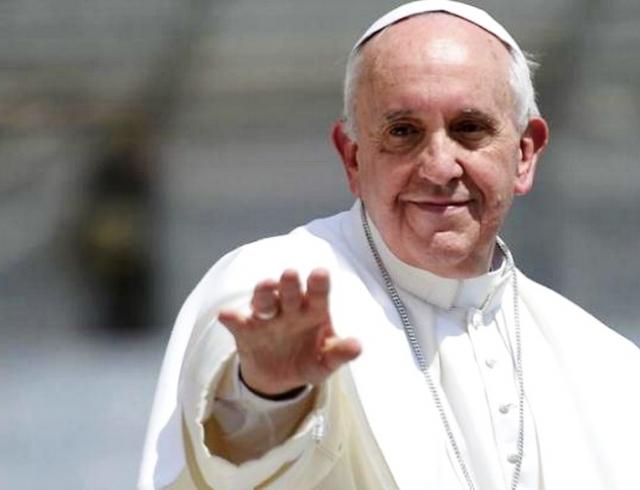 Первое селфи Папы Римского: понтифик в Инстаграм