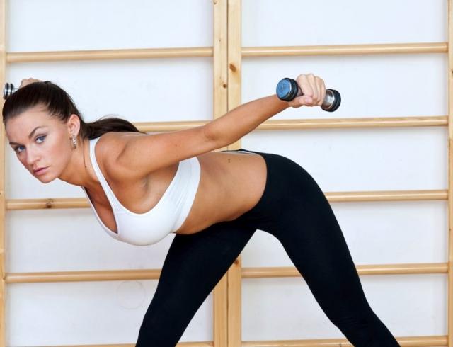 Упражнения для похудения боков на спине