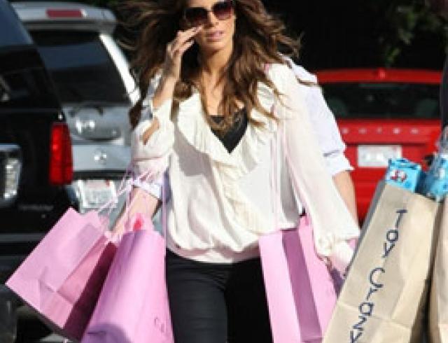 Зведный шопинг: где селебритиз делают это?