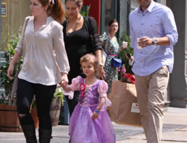 Джессика Альба устроила день рождения для дочери. ФОТО