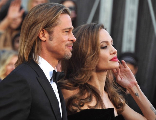 Анджелина Джоли и Брэд Питт спасают брак жуткими кровавыми обрядами