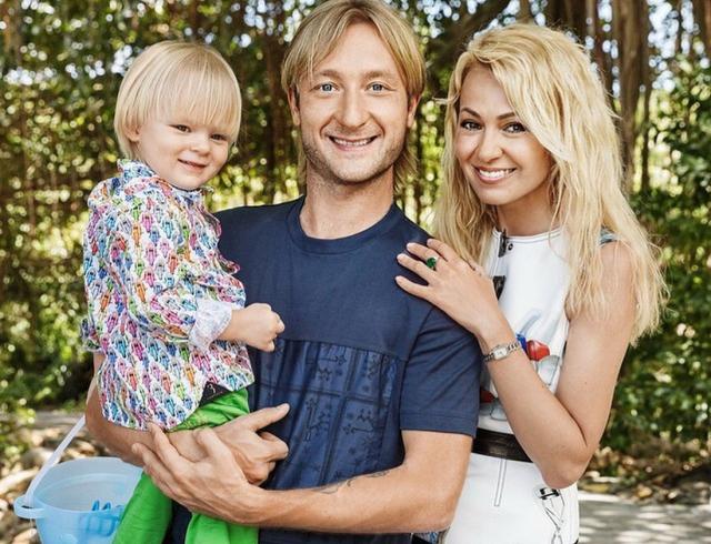 Яна Рудковская отметила 7 годовщину свадьбы с Евгением Плющенко (ФОТО)