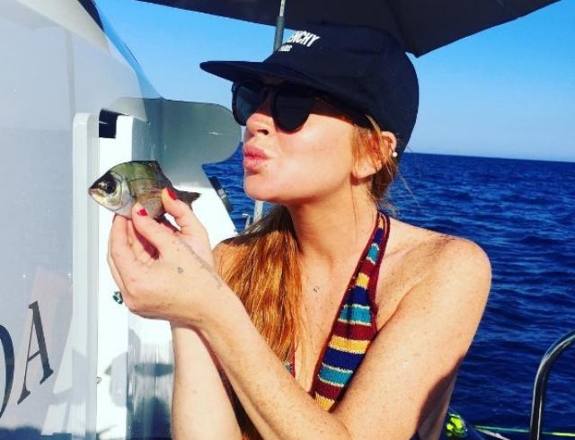 Очередная неудача Линдси Лохан: скандальная актриса лишилась половины пальца (ФОТО)