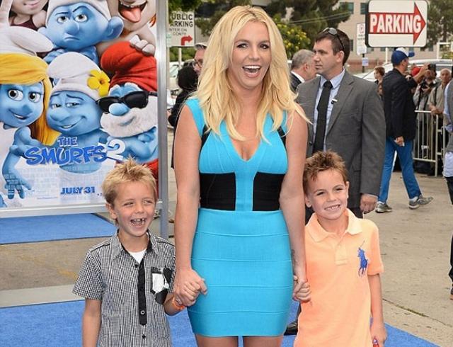 Дети знаменитой Бритни Спирс называют ее идиоткой