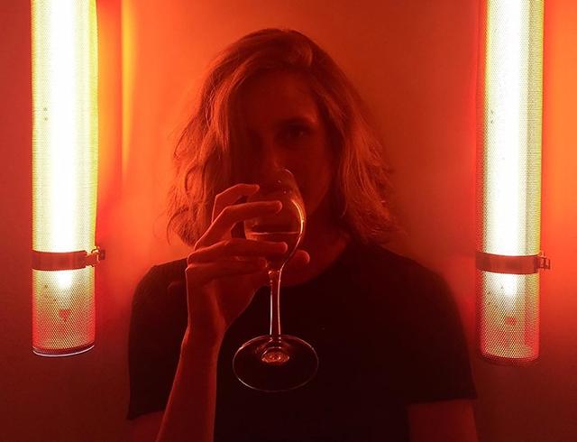 Всем плевать на твой алкоголизм: как аккаунт популярной девушки оказался социальной рекламой