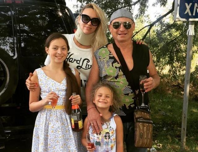 Оля Полякова похвасталась дочерью: 5-летняя Алиса не боится змей (ВИДЕО)