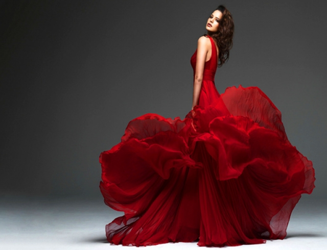 В ТРЦ «КАРАВАН» состоится «Фестиваль новогодних платьев»
