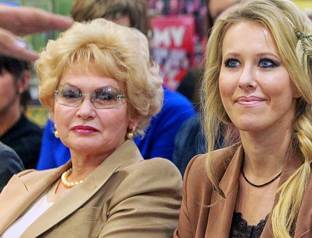 Мама Ксении Собчак не одобряет методы воспитания внука