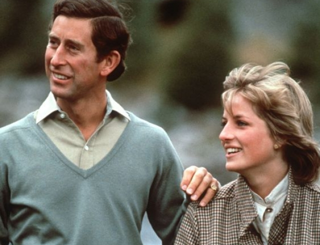 Почему принц Чарльз рыдал перед свадьбой с леди Ди: скандальные подробности королевского брака
