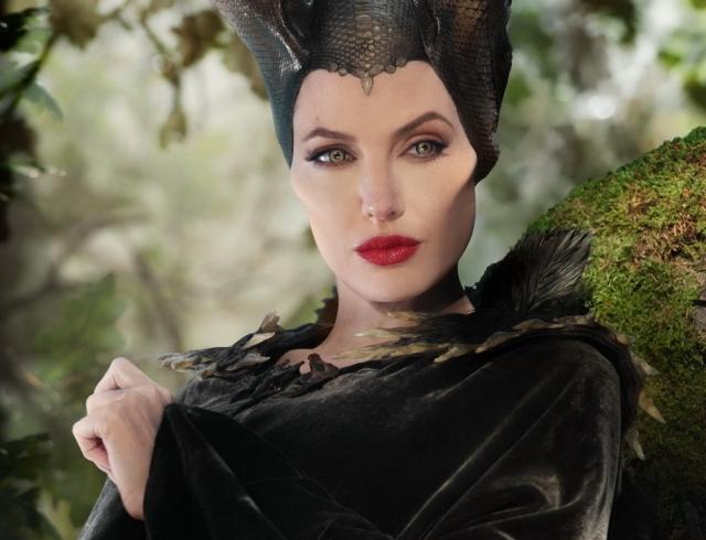 """Анджелина Джоли уходит из кино после съемок второй части фильма """"Малефисента"""""""