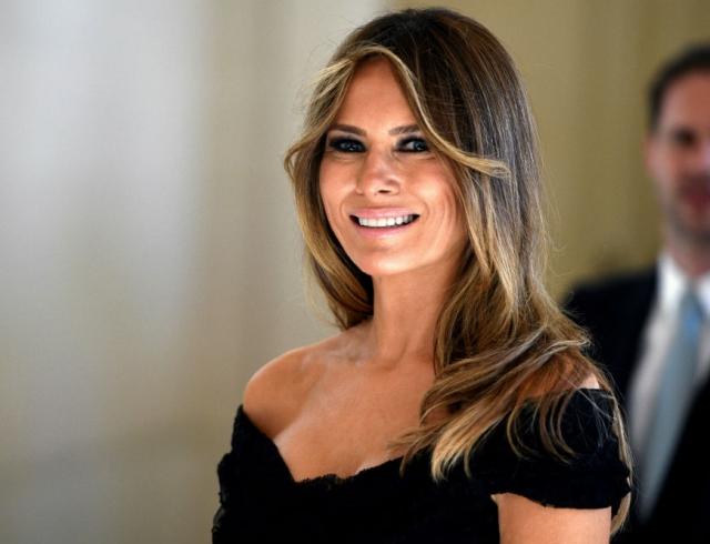 Хейтеры раскритиковали Меланию Трамп за слишком мрачный образ (ФОТО)