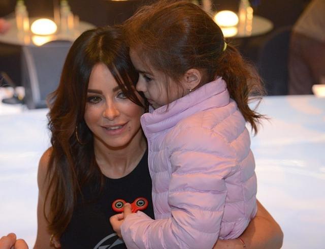 Ани Лорак показала милое ФОТО прогулки с 6-летней дочерью Софией