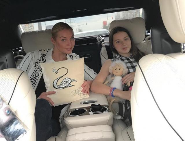 Анастасия Волочкова призналась, почему ее дочь не носит фамилию отца