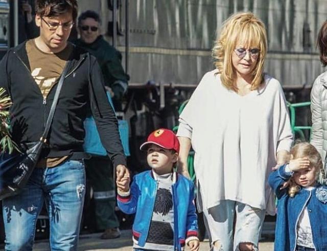 Пугачева с детьми фото 2018 на море