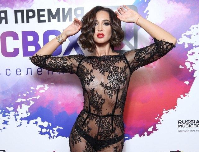"""Ольгу Бузову раскритиковали за исполнение хита Мадонны: """"Замахнулась на святое"""" (ВИДЕО)"""