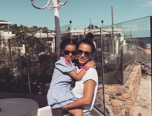 Семейный уикэнд: Ани Лорак сводила дочь в океанариум (ФОТО)