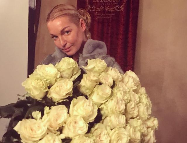 Обидчица Волочковой, домработница Раечка, впервые прокомментировала обвинения балерины в воровстве