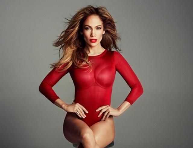 Время делиться любовью: Дженнифер Лопес презентовала клип на песню Amor, Amor, Amor (ВИДЕО)