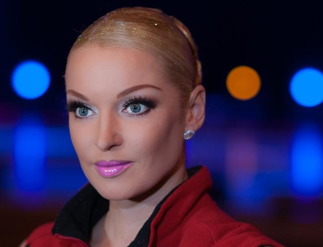 Анастасия Волочкова поздравила поклонников с Новым годом шпагатом (ФОТО)