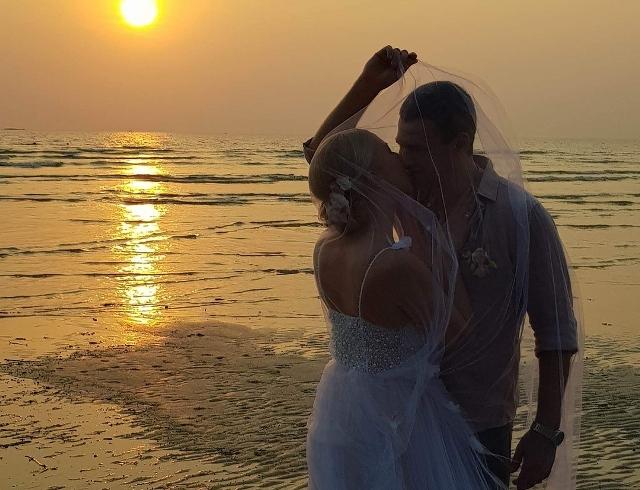Почему бы и нет: Тоня Матвиенко и Арсен Мирзоян снова сыграли пышную свадьбу (ФОТО)