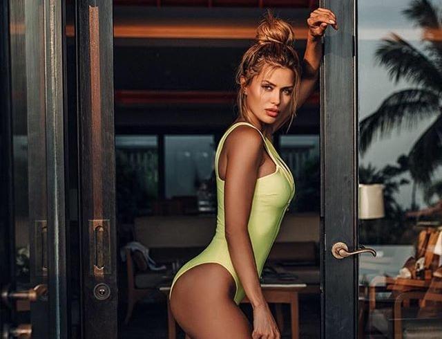 Ведущая Виктория Боня «украла» наряд у популярной Анджелины Джоли