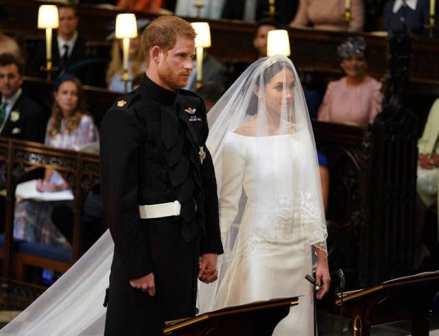Свадебное платье Меган Маркл: в чем пошла к алтарю самая обсуждаемая невеста года