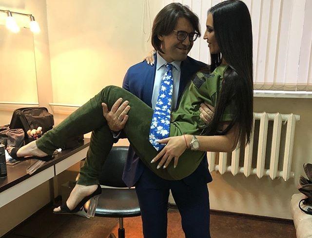 Ольга Бузова стала причиной конфликта Андрея Малахова с его женой