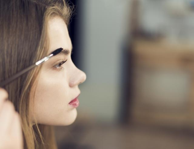 Пять ошибок, которые отделяют вас от идеальных бровей