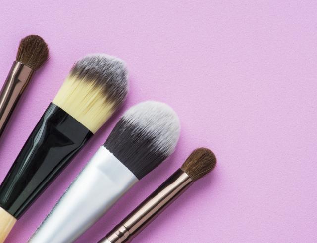 В чем разница: выбираем кисти для макияжа