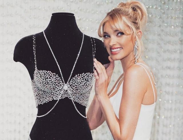 Эльза Хоск продефилирует на показе Victoria`s Secret в белье за один миллион долларов