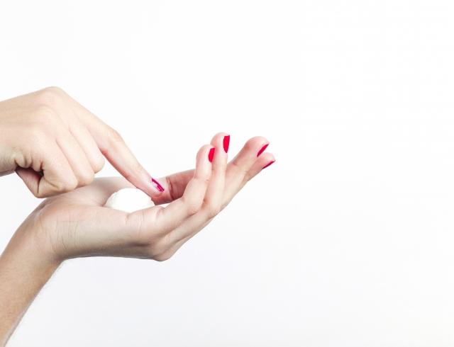 SOS-средства, которые нужно добавить в зимнюю косметичку