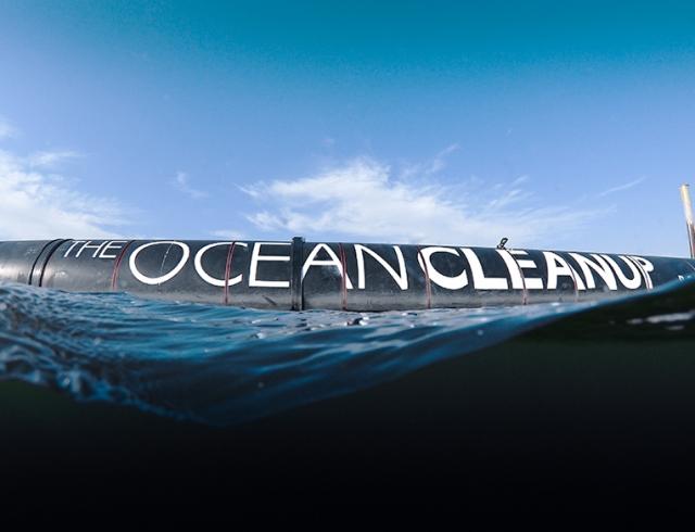 В США запустили систему очистки океана от пластика (ВИДЕО)