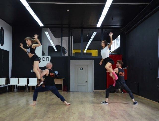 """""""За закрытой дверью"""": D'Arts Dance Project показали кадры с репетиции нового шоу (ФОТО)"""