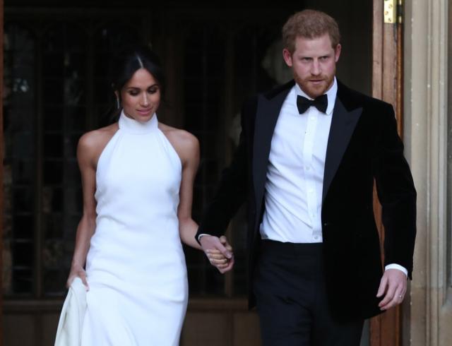 Как обычные люди: Меган Маркл и принц Гарри пообедали в недорогом деревенском пабе