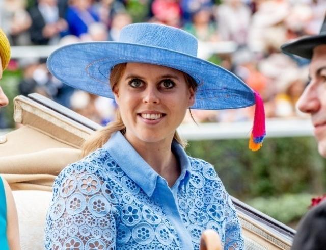 Почему королева Елизавета II не планирует оплачивать свадьбу принцессы Беатрис?
